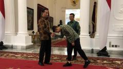 Indosport - Pesepakbola Egy Maulana Vikri, mendatangi Istana Kepresidenan Jakarta menemui Presiden Joko Widodo (Jokowi).