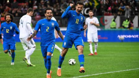 Selebrasi Coutinho setelah cetak gol kedua. - INDOSPORT