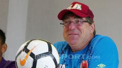 Indosport - Mantan pelatih PSM Makassar, Robert Rene Alberts.