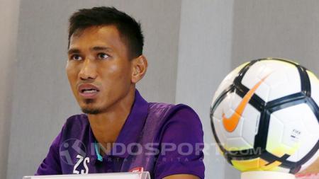 Kapten PSM Makassar, Zulkifli Syukur, dalam jumpa pers. - INDOSPORT