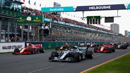 Mercedes dan Ferrari menjadi pemimpin balapan di GP Australia. - INDOSPORT