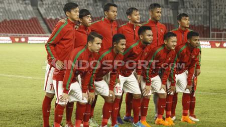 Foto tim Indonesia U-19 sebelum memulai laga. - INDOSPORT