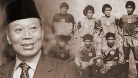 Probosutedjo dan klub sepakbola Mercu Buana. - INDOSPORT