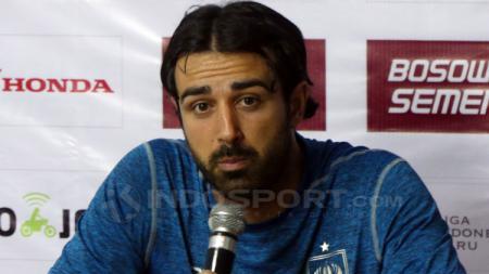 Mantan pelatih PSIS, Vincenzo Alberto Annese. - INDOSPORT