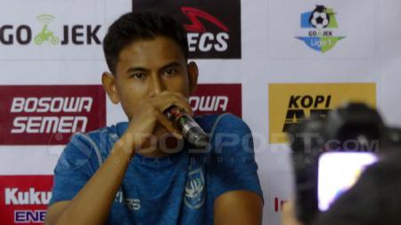 Haudi Abdillah, pemain PSIS Semarang dalam konferensi pers. - INDOSPORT
