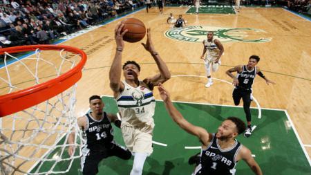 San Antonio Spurs vs Milwaukee Bucks. - INDOSPORT