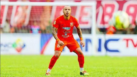 mantan gelandang Borneo FC Julien Faubert saat beraksi di Liga 1 2018. - INDOSPORT