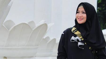 Istri Gunawan Dwi Cahyo, Okie Agustina tidak habis pikir setelah melihat berita yang mengabarkan kondisi kepadatan bandara belakangan ini. - INDOSPORT