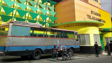 Bus PSMS Medan yang dianggap kurang layak. - INDOSPORT