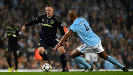 Wayne Rooney (Everton) vs Vincent Kompany (Man City) - INDOSPORT