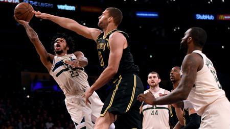 Situasi pertandingan Milwaukee Bucks vs Los Angeles Lakers. - INDOSPORT