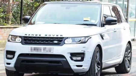 Mobil milik Alexis Sanchez. - INDOSPORT