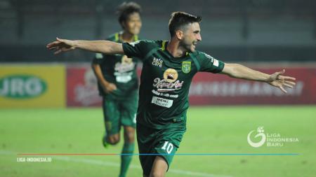 Robertino Pugliara saat membela Persebaya Surabaya. - INDOSPORT