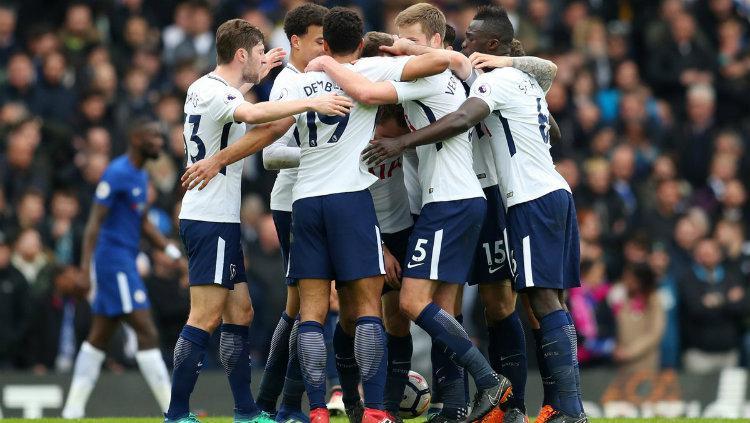 Para pemain Tottenham Hotspur merayakan selebrasi. Copyright: INDOSPORT