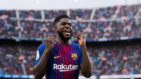 Samuel Umtiti, bek tengah Barcelona yang masuk dalam radar Arsenal. - INDOSPORT