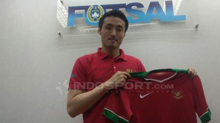 Kensuke Takahashi resmi jadi pelatih Timnas Futsal Indonesia. - INDOSPORT