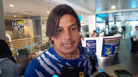 Asisten pelatih, Fernando Soler memberikan komentar mengejutkan mengenai isu pengaturan skor yang menimpa timnya di akhir musim Liga 1 2018. - INDOSPORT