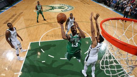 Marcus Morris (nomor 13) merapat ke New York Knicks dari Boston Celtics. - INDOSPORT