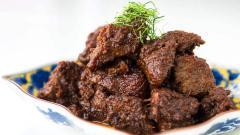 Indosport - Masakan khas Padang, Rendang.