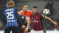 Indosport - AC Milan vs Inter Milan.