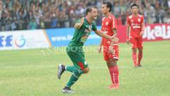 Indosport - Reinaldo Lobo berselebrasi usai mencetak gol ke gawang Persija Jakarta.