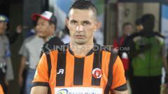 Indosport - Striker Perseru Serui, Silvio Escobar.