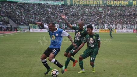 Persebaya vs Barito di Liga 1 putaran pertama. - INDOSPORT