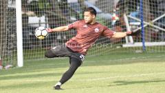 Indosport - Penjaga Gawang Persija Jakarta, Aksi Andritany.