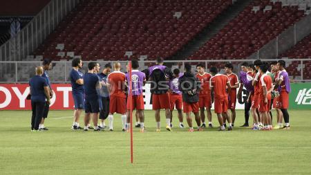 Suasana latihan tim Johor Darul Takzim (JDT) di GBK. - INDOSPORT
