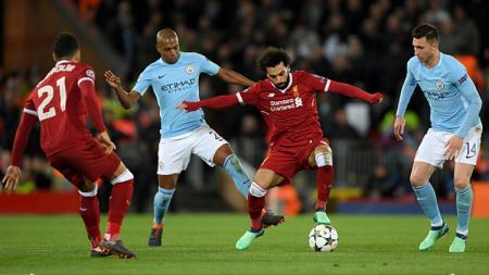 Fernandinho saat melawan Liverpool di leg pertama. - INDOSPORT