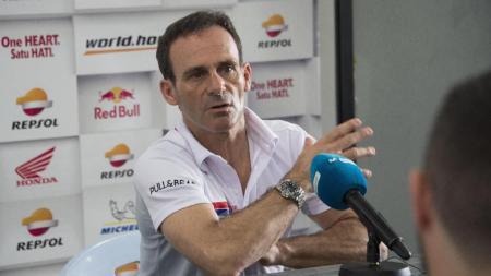 Bos Honda, Alberto Puig, buka suara soal komentar Andrea Dovizioso terkait perpanjangan kontrak Marc Marquez. - INDOSPORT