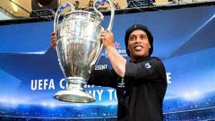 Indosport - Ronaldinho ketika berkunjung ke Malaysia.