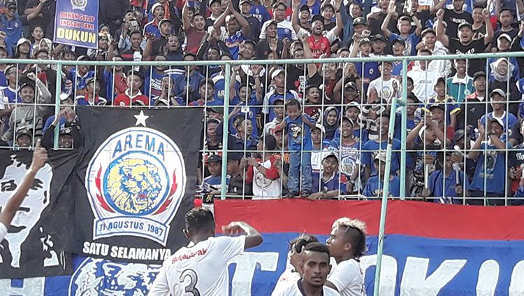 Suporter Arema Indonesia, Aremania. Copyright: Ian Setiawan/INDOSPORT