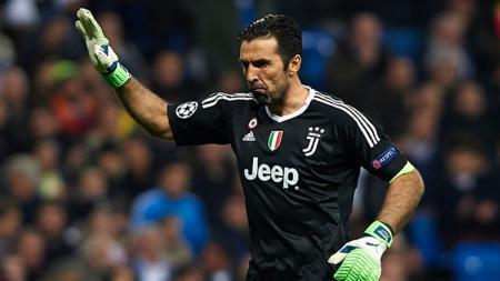 Kiper veteran Juventus, Gianluigi Buffon, mengaku tak merasa kecewa karena belum mampu merasakan nikmatnya mengangkat trofi Liga Champions. - INDOSPORT