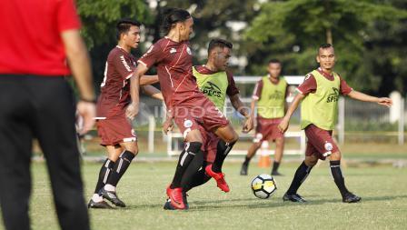 Pemain Persija berlatih jelang melawan Borneo FC.