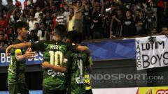 Indosport - Vamos (Hijau) sukses menaklukkan COSMO (Kuning) dengan skor 5-2.