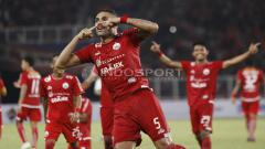 Indosport - Selebrasi Jaimerson da Silva saat buat gol lawan Borneo FC.