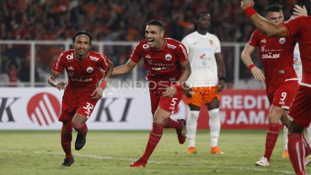 Rohit Chand usai cetak gol ke gawang Borneo.