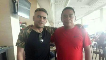 Cristian Gonzales (kiri). - INDOSPORT