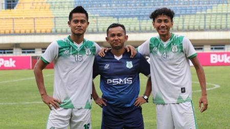 Muhammad Yusup Prasetyo bersama Amarzukih dan M. Roby - INDOSPORT