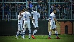 Indosport - Arema FC vs Persib Bandung.