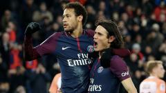 Indosport - Neymar dan Edinson Cavani saat merayakan selebrasi bersama.