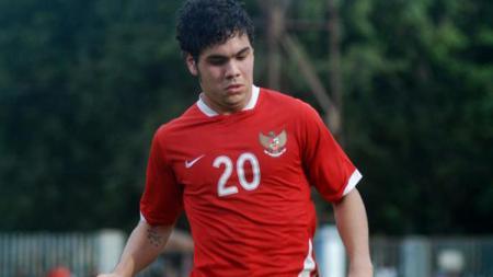 Pemain naturalisasi Ruben Wuarbanaran saat mengikuti seleksi bersama Timnas Indonesia U-23. - INDOSPORT