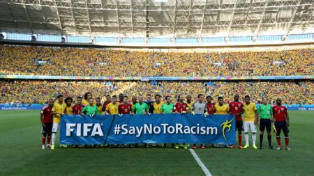 Says No to Racism - INDOSPORT