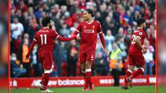 Indosport - Mohamed Salah beri pesan untuk Van Dijk usai jadi pemain terbaik liga premier Inggris
