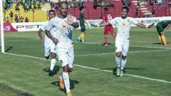 Indosport - Selebrasi pemain Persebaya, David da Silva.