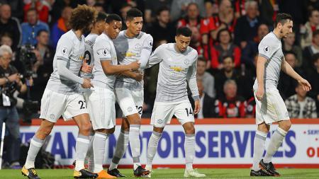 Pemain Manchester United usai merayakan gol. - INDOSPORT