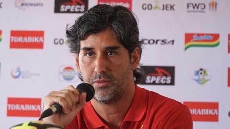 Pelatih Persija Jakarta, Stefano Cugurra Teco dalam jumpa pers. - INDOSPORT