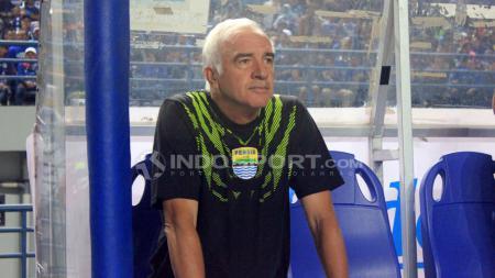 Pelatih Persib Bandung, Roberto carlos Mario gomez. - INDOSPORT