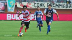 Indosport - Beni Wahyudi (kiri) dan Balsa Bolzovic (kanan).